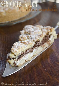 crumbled with Nutella and ricotta cheese recipe crumbled almond cake Italian Pastries, Italian Desserts, Italian Recipes, Italian Dishes, Yummy Treats, Sweet Treats, Yummy Food, No Bake Desserts, Dessert Recipes