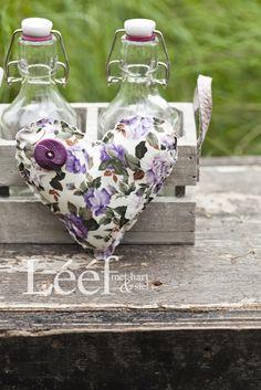 Fotograaf - Candice Askham Lilac, Lavender, Hart, Afrikaans, Illustrations Posters, Sewing Crafts, Walls, Teacher, Magazine
