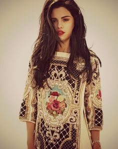 Selena Gomez looks stunning!