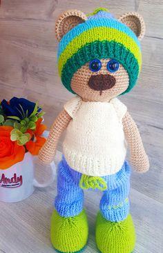 23 Clever DIY Christmas Decoration Ideas By Crafty Panda Crochet Dolls, Crochet Hats, Crocheted Toys, Christmas Decorations To Make, Christmas Crafts, Clever Diy, Diy Tutorial, Panda, Teddy Bear