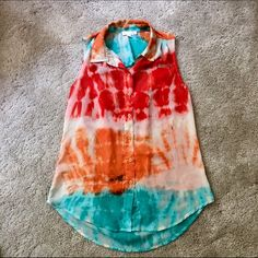 Tie Dye Marble Sleeveless Button Down Collared Top Worn Once. NO TRADES Gianni Bini Tops