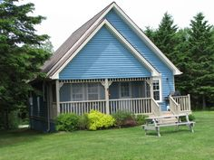 PEI cottage and family chalet rentals in Eastern Prince Edward Island. Pet friendly 2, 3 and 4 bedroom cottages for rent close to golf courses, seafood and PEI beaches. Golf packages available.