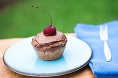 Raw Vegan Chocolate Avocado Cherry Cupcakes. Recipe and Video. - Crazy Cucumber