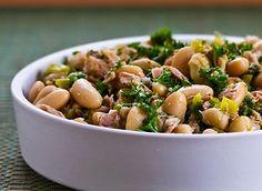 A Salada de feijão branco e atum é bem prática de preparar, além de ser bem leve e nutritiva