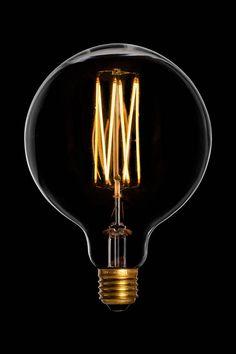 LED lampen zijn de toekomst en bij Goodstore zijn we gericht op de toekomst. Daar hoort duurzaamheid voor het welzijn van ons milieu bij. Daarom introduceren wij onze nieuwe lijn met Filament LED lampen. Deze sfeervolle lampen in de energieklasse A++ zijn een must have! Bezoek onze webshop en beoordeel zelf!