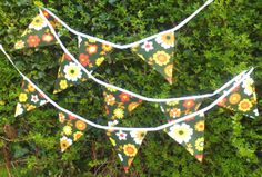 funky retro double sided bunting vintage floral fabric approx 3.5 metres £15.00