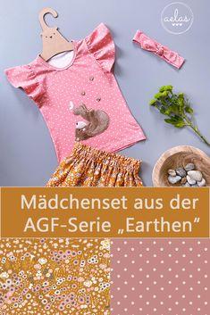 """""""Aelas"""" hat aus den zwei super weichen Jerseys der Art Gallery Fabrics (AGF) Kollektion """"Eearthen"""" ein wunderbares, sommerliches Mädchenset genäht.   - - Shirt-Schnitt: Fly-Top von Kid5 - Rock-Schnitt: Marie von Engelinchen (freebook)  - Stirnband-Schnitt: (ohne Schnittmuster)  - Stickdatei: Kleine Emilia mit Schmetterling (Stickherz) - KLICK auf das Bild zu den Stoffen in unserem Onlineshop. Super, Catchphrase, Headband Bun, Sewing For Kids, Fabrics"""