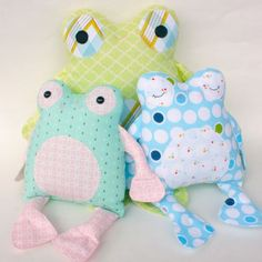 Fritter Frog PDF Pattern, I would love to make these into heat packs or put a zipper in and be able to put a bag of ice in when kiddos get hurt