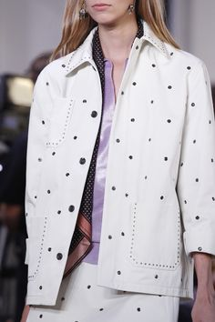 See detail photos for Bottega Veneta Spring 2018 Ready-to-Wear  collection.