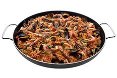 The 47cm lightweight aluminium non-stick Teflon (US Du Pont®) pan is easy to use and clean. It features stay-cool handles for easy handling. The large #cooking area is ideal for preparing #risottos, #paellas, #pasta dishes, #breakfasts and other meals that cater for large groups of people. For use on the #CADAC Carri Chef, Eazi Chef, Handi Chef, Leisure #Chef or any other gas or electric stove or hob. A convenient storage bag is included.