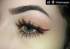 We're #obsessed with this wing color on @lillieemaeee! She used Madly Matte Lip Gloss in Brick to be precise. #repost #kleancolor #eyeliner #eye #wingedeyeliner #redwing #madlymatte #madlymattelipgloss #matte #lipglossaseyeliner #brick #mua #makeup #cosmetics #beauty