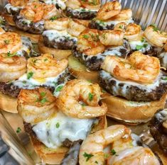 Grilled shrimp burgers - No burger patty - Use salmon patty instead I Love Food, Good Food, Yummy Food, Tasty, Seafood Recipes, Cooking Recipes, Cooking Time, Shrimp Burger, Grilled Shrimp