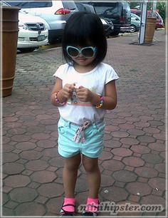 Mischa... MiniHipster.com: kids street fashion (minihipster.com) #kidsstreetstyle