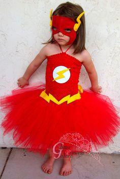 The Flash inspired tutu dress costume Superhero Halloween Costumes, Superhero Party, Halloween Kids, Halloween Party, Baby Cosplay, Tutu Costumes, Costume Ideas, Super Hero Costumes, Halloween Disfraces
