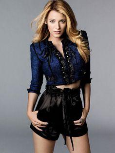 Blake Lively una des la It-girls del momento! Conocida por su papel de Serena Van Der Woodsen en la serie Gossip Girl, esta mujer tiene u...