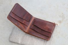 Leathercraft Horween bifold wallet, horsehide Chromexcel - gifts for deer hunters - handmade Australia leather wallet - www.thirtyinches.com