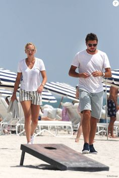 Exclusif - Stanislas Wawrinka et sa compagne Donna Vekic profitent de la plage… Stan Wawrinka, Big Love, Tennis Players, The Man, Celebs, Sports, Inspiration, Tennis, The Beach