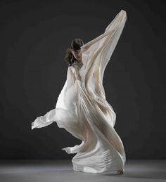 color, texture, modern dance, what's there not to love?