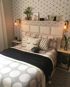 Bedroom Table, Planning And Organizing, Dorm Room, Bed Pillows, Living Spaces, Sweet Home, New Homes, Interior Design, Kids Room