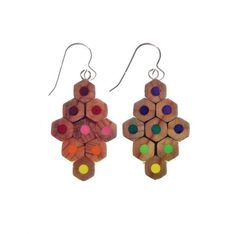 Pendientes Lápices Rombos Recycled Jewelry, Wooden Jewelry, Diy Jewelry, Jewelry Making, Resin Crafts, Diy Crafts, Pencil Crafts, Found Object Jewelry, Laser Cut Jewelry