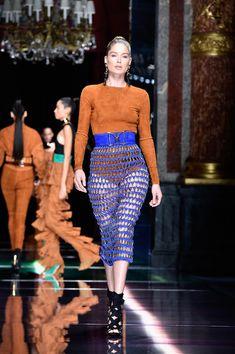 Doutzen Kroes in Balmain : Runway - Paris Fashion Week Womenswear Spring/Summer 2016