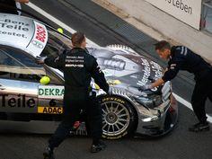 В пит-стопы подъезжает Mercedes C AMG