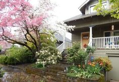 """SE Portland Springtime Bungalow from """"House Hunting Survival Guide"""" blog post: http://www.dannipdx.com/house-hunting-survival-guide/"""