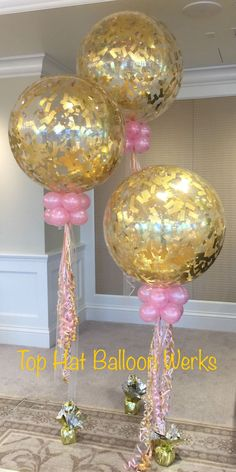 Large balloons with gold confetti. Stylish decoration for a wedding reception or. Large balloons w Balloon Arrangements, Balloon Centerpieces, Balloon Decorations, Balloon Ideas, Large Balloons, Giant Balloons, Bridal Shower Balloons, Wedding Balloons, Glitter Balloons