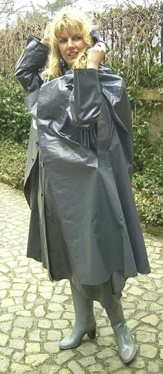 A grey kleppercape