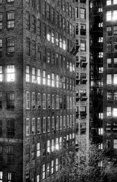 silfarione: New York by Jakob Wagner Looking at this photo made me realize what& wrong with so many CGI building faces: they lack the occasional window AC. Monochrome Photography, Urban Photography, White Photography, Street Photography, Landscape Photography, Inspiring Photography, Contemporary Landscape, Urban Landscape, Cities