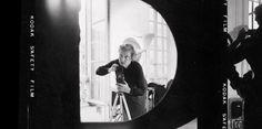 """Ma vie de photographe"", par Sabine Weiss - #SabineWeiss #photo #photographie #photographer #photography #photographe #OlivierOrtion"