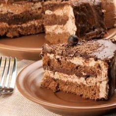 Caffelino este un tort delicios ! Gustul de ciocolata se amesteca placut cu aroma de cafea . Incearca-l si sigur vei surprinde pe toata lumea. Ingrediente: Pentru blat: 200 g unt 250 g zahar pudra 150 g faina 1 pliculet praf de copt 5... Cake Videos, Chocolate Lovers, Something Sweet, Food To Make, Meal Planning, Cake Recipes, Cheesecake, Food And Drink, Ice Cream