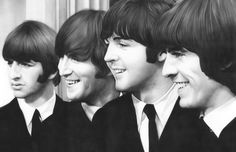 The Beatles (1960-1970) famous Pop and Rock Band in 1960s. Members: John Lennon, Paul McCartney, George Harrison và Ringo Starr. - I pinned this pic because of their Bright smiles