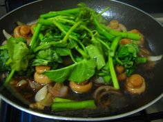 Pinoy Kitchenette: Stir-Fry Mushrooms and Kangkong