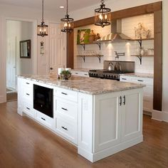 50 charming and inexpensive farmhouse kitchen design 21 Small Apartment Living, Small Apartment Decorating, Home Living Room, Sofa Set Designs, Farmhouse Master Bedroom, Farmhouse Kitchen Decor, Kitchen Styling, Kitchen And Bath, Kitchen Remodel