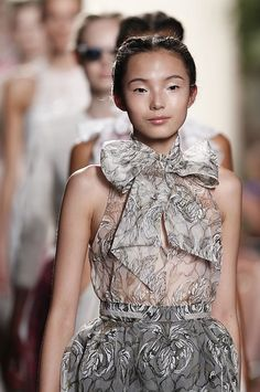 Bow details at @honorwoman spring 2013