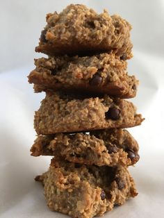 Suiker vrije koekjes. Koekjes maken met enkel drie ingrediënten? Dat kan! En dan ook nog gezond? Ja, dat kan ook! Deze koekjes bestaan uit banaan, pindakaas en havermout. Om ze iets spannender te maken heb ik er een hee…