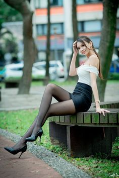 Ps I'm a male who happens to have a thing for women dressed with black nylons. Nylons, Black Pantyhose, Black Tights, Women Legs, Sexy Women, Girls In Mini Skirts, Girls Fashion Clothes, Black Stockings, Sexy Shorts