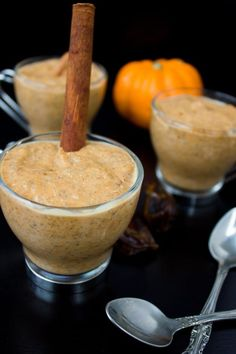 Instant Chia Pumpkin Pudding. A guilt free pumpkin goodness dream! Made in your blender in just a few seconds, gluten free, vegan, paleo and oh so good! www.twopurplefigs.com