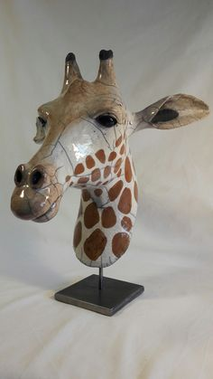 """Drawing idea: a giraffe with a realistic head and a scribbled """"wireframe"""" body?"""