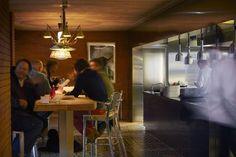 Design de Starck é tudo no Ma Cocotte, restaurante que renova a região do mercado de pulgas.