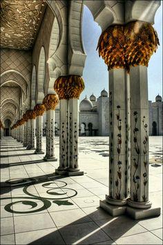 Sheikh Zayed Grand Mosque (Abu Dhabi, UAE)