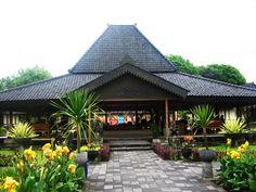 45 Desain Rumah Joglo Khas Jawa Tengah | Desainrumahnya.com Cabin Design, Roof Design, House Design, Interior Modern, Home Interior Design, Indonesian House, Gazebo Pergola, Paradise Garden, Joko