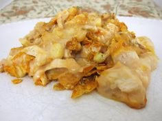 Dorito chicken cheese casserole, featuring all your favorites: cream of mushroom soup, Rotel, canned corn, and a whole bag of nacho cheese Doritos. I Love Food, Good Food, Yummy Food, Chicken Cheese Casserole, Doritos Chicken, Doritos Casserole, Doritos Bake, Taco Bake, Chicken Cassarole