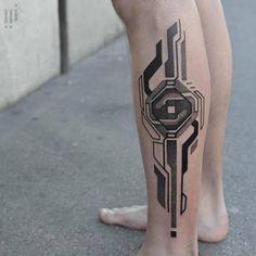 Circuits And Nature Unite In Georgie Williams' Futuristic Tattoos - Page 5 of 31 - Find Tattoos Online Leg Tattoos, Arm Band Tattoo, Tribal Tattoos, Tattoos For Guys, Sleeve Tattoos, Polynesian Tattoos, Samoan Tattoo, Computer Tattoo, Biomech Tattoo