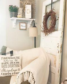 Farmhouse decor chippy old door. Shabby Chic Farmhouse, Farmhouse Style Decorating, Farmhouse Decor, Farmhouse Ideas, Old French Doors, Old Doors, Old Door Decor, Farmhouse Family Rooms, Primitive Homes