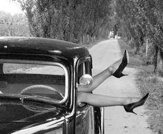 Citroën Traction Avant Art Deco Car, Citroen Traction, Traction Avant, Automobile, Cabriolet, Love Car, Car Girls, Black And White Pictures, Super Cars