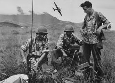 French paratroopers in Indochine.