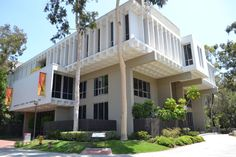 USC's Annenberg School of Communication and Journalism