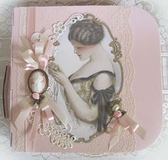 Caja decorada / Embellished Box